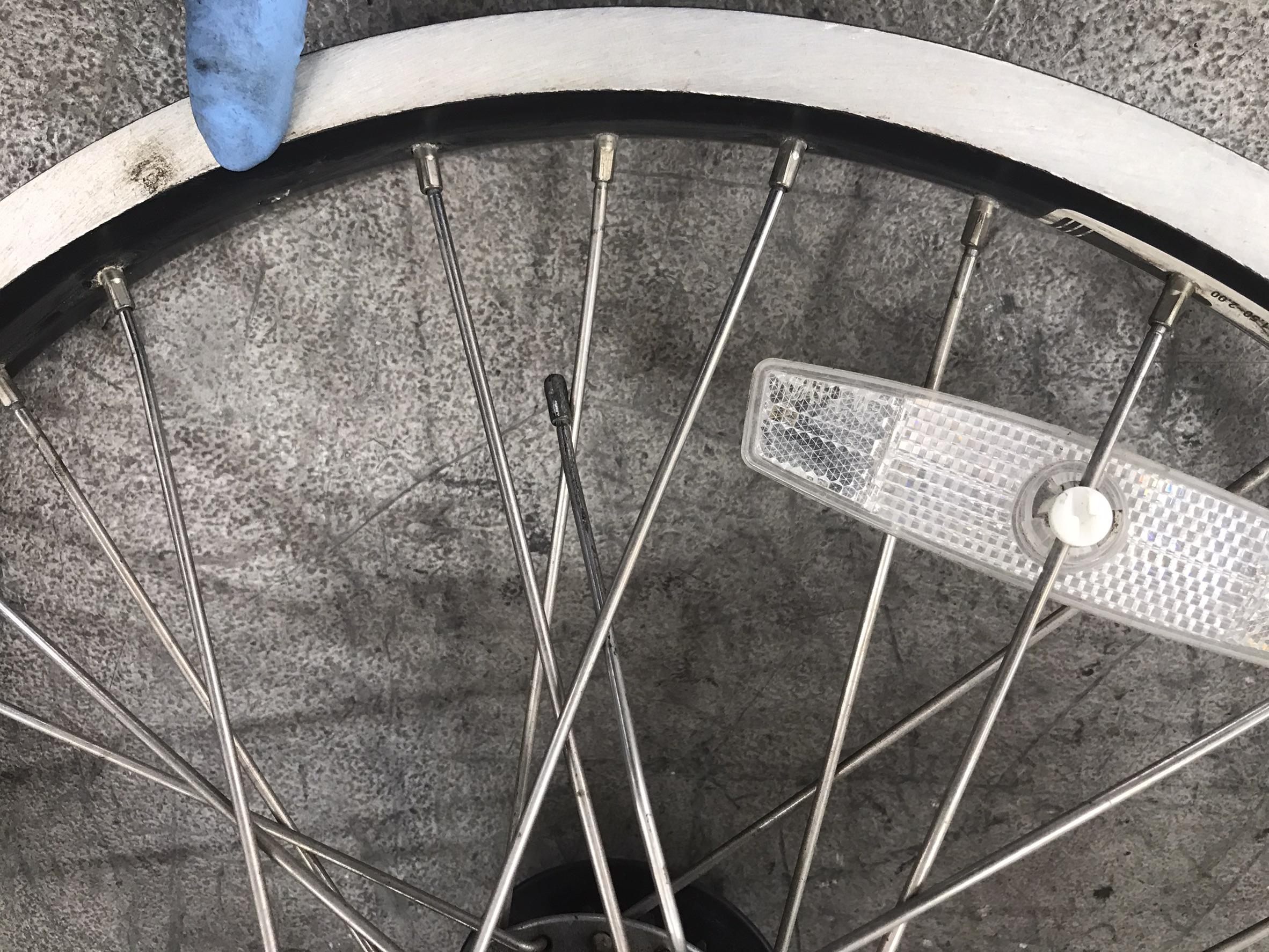 電動自転車修理 スポーク交換